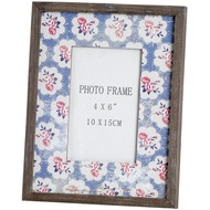 Picture  Frame  With  Rose  Pattern  Mount